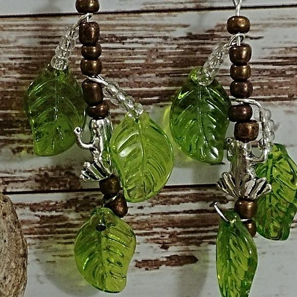 10.Deep Jewelry - Glass & Bead Tree Frog Earrings